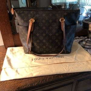 Authentic Louis Vuitton Totally PM Purse Tote